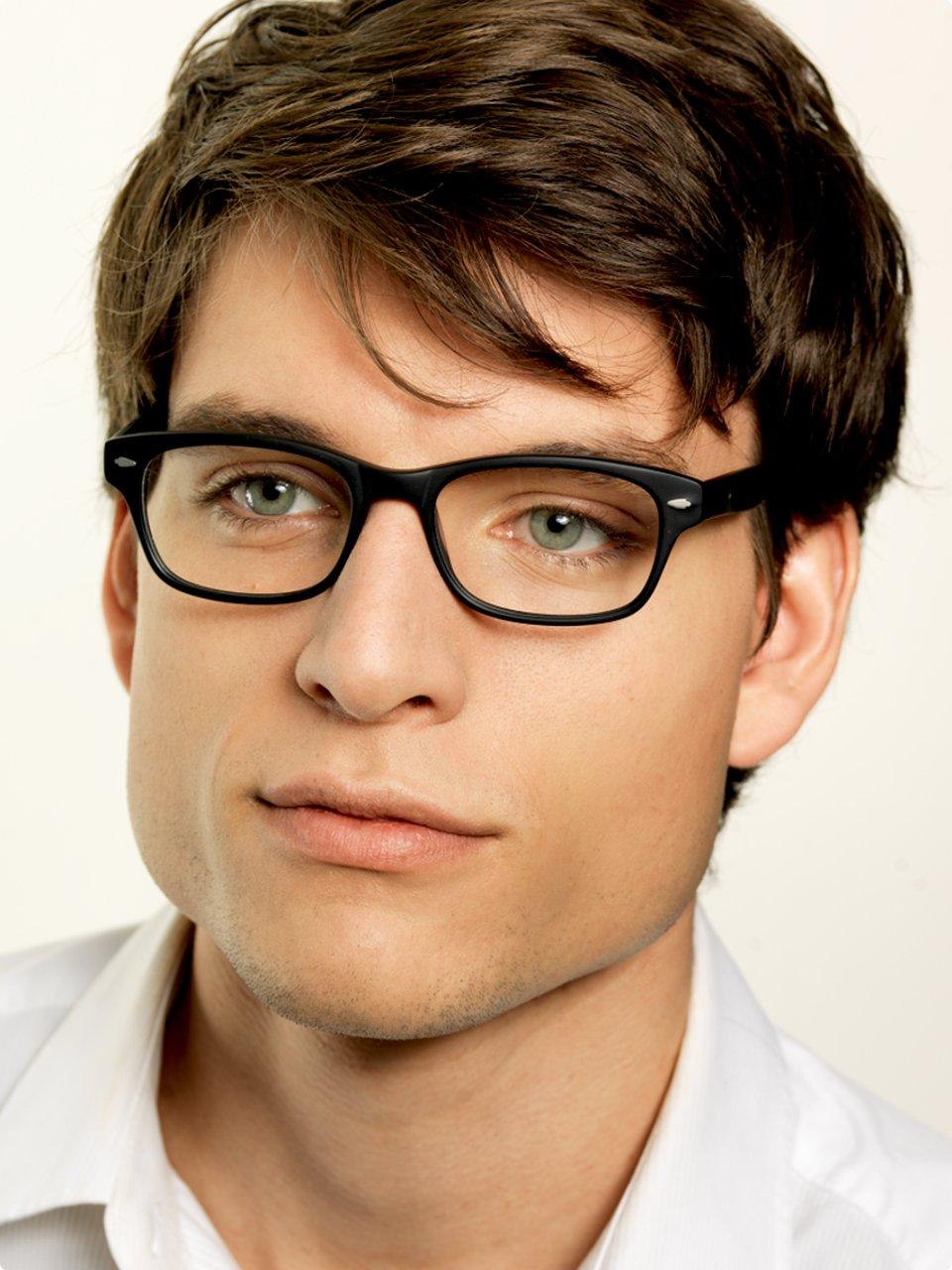 Imagolasit on in – myös tavallinen silmälasien käyttäjä on muodikas